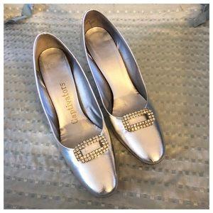 Vintage 1950's Silver Heels w/Rhinestone Buckle!